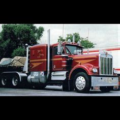 Gorgeous Kenworth wth double sleeper & straight stacks, Lazy K Trucking Heavy Duty Trucks, Big Rig Trucks, Semi Trucks, Cool Trucks, Peterbilt 359, Peterbilt Trucks, Road Train, Trucks And Girls, Trailers