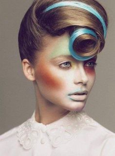 avant garde... I want hair like this!!!