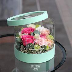Flowers box gift ideas for 2019 - Modern Flower Box Gift, Flower Boxes, Diy Flowers, Paper Flowers, Bouquet Wrap, Flower Boutique, Flower Packaging, Diy Gift Box, Flower Designs