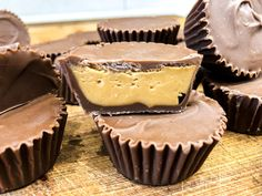 Domowe Reese's - Stonerchef Reese's Cupcakes, My Favorite Food, Favorite Recipes, Best Food Ever, Vegan Treats, Candy Recipes, Cheesecake, Food And Drink, Cooking Recipes