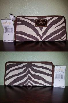 eab842130d1959 Passport Holders 169288: Michael Kors Jet Set Continental Wallet Vanilla Mk  Signature Tiger ->