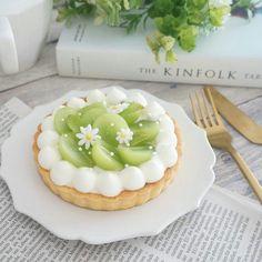 Fancy Desserts, Sweet Desserts, Dessert Drinks, Dessert Recipes, Good Food, Yummy Food, Food Goals, Cafe Food, Pretty Cakes