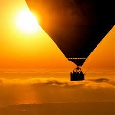 the best proposal wud be right here... on a hot air ballon with nothin but the sky as the limit... that'd be the start of my fairy tale....