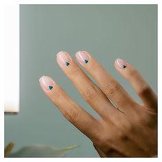 Nail Art Vernis, Nail Manicure, Toe Nails, Stylish Nails, Trendy Nails, Nail Tattoo, Minimalist Nails, Dream Nails, Makeup Tricks