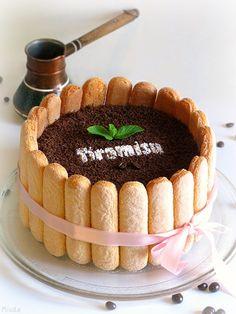 A receita em português está em baixo.       Вариаций на тему знаменитого десерта существует великое множество и способов подачи тоже. ...
