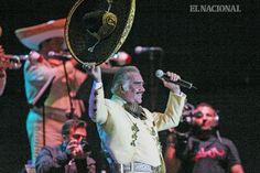 Concierto del cantante mexicano, Vicente Fernández, en el estacionamiento del CCCT. Caracas, 21-09-2009 (RAUL ROMERO / EL NACIONAL)