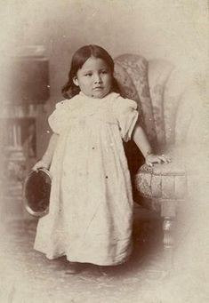 """Zintka Lanuni """"Lost Bird"""", orphaned in the Battle of Wounded Knee and taken away from her Native American tribe by General Leonard Wright Colby. (No date - Photographer unknown) (Photoshopped) Native American Children, Native American Beauty, Native American Photos, Native American Tribes, Native American History, American Indians, First Nations, Cherokee, Native Indian"""