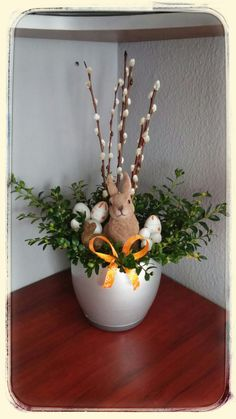 Easter Flower Arrangements, Easter Flowers, Christmas Crafts For Kids, Easter Wreaths, Holidays And Events, Homemade Gifts, Wedding Flowers, Retro, Spring