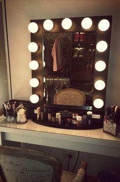 Hollywood lights vanity   DIY   Dorm decor   DIY dorm decor   college   dorm life   makeup   vanity   makeup storage   lights
