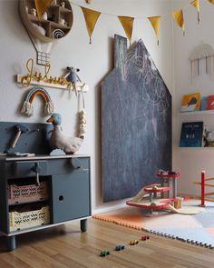 Children's room with blackboard - Kids Playroom Baby Room Boy, Baby Bedroom, Kids Bedroom, Room Boys, Baby Rooms, Sala Grande, Baby Room Design, Playroom Design, Toddler Rooms