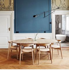Large Furniture, Furniture Styles, Furniture Design, Wooden Dining Tables, Dining Chairs, Dining Room, Luxury Furniture Brands, Large Table, Blue Walls