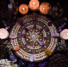 Pagan paganism witch witchcraft goddess crystals altar herbs candles tarot spiritual mystic spell magic magick  Pagão bruxa bruxo paganismo bruxaria feitiçaria cristais ervas tarô deusa espiritualidade místico ocultismo magia