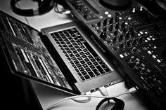 . Dj System, Pioneer Ddj, Macbook Accessories, New Dj, Dj Gear, Studio Gear, Dream Studio, Dj Music, Apple Macbook Pro