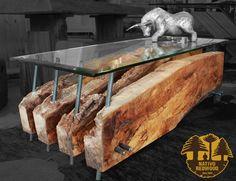 """Nativo Red Wood. Mesa de centro linea """"Natural Wood"""" con base de costillas de madera Laurel Rústico con soportes de fierro forjado y cubierta de cristal biselado de 0.70x1.40x15 mm espesor. www.facebook.com/nativoredwoodsa"""