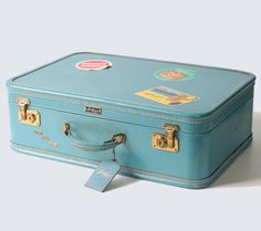 Hey, I found this really awesome Etsy listing at https://www.etsy.com/listing/220875110/vintage-amelia-earhart-aqua-suitcase