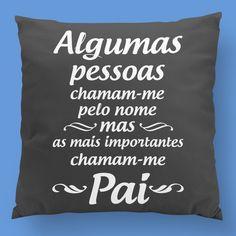 Este Natal oferece uma almofada ao teu pai! Give your dad a beautiful pillow for christmas! Design exclusivo zizimut!  #zizimut #funnytshirts #tshirts #hoodies #sweatshirt #giftshops #personalizedgifts #personalizadas #porto #tshirtshop #almofada #pillow #mãe #mother #mom #christmas #christmaspresent #natal #presentenatal