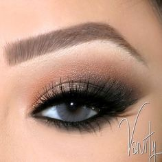 In love with this shimmer by vanitymakeup in brow wiz medium ash and brow powder.