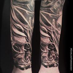 Little skull filler on @tattoopami . #carlostorresart #inkeeze by carlostorresart
