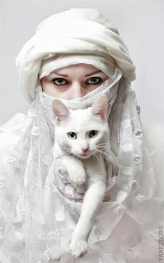 Hole white for this exotic Muslim bride