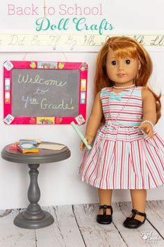 These are the cutest DIY American Girl Doll Crafts for Back to School! Make cute chalkboards, textbooks, ID badges and notebook paper. Fun! #RealCoake #AmericanGirlDoll #Craft #AGDoll #AGDollCraft #BacktoSchool #DollCraft