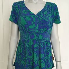 2/$15!  Chadwick's blue and green blouse {•} Blue and green geometric patterned top. Very flattering cut - comes in at the waist for a great fit. Beautiful neckline on this short sleeve shirt. Chadwicks Tops Blouses