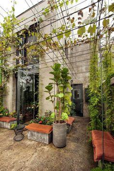 Pq não um jardim na parte de fora??? :)