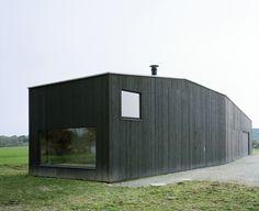 Hangar ostréicole et lieu de repos, Etel (56), France, 2010. - RAUM