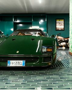 Is it possible for an to look better in green than red? This finish is called 'Verde Abetone' and it might just a new favourite. Classic Sports Cars, Classic Cars, Ferrari F40, Cars And Coffee, Automotive Art, Dream Garage, Car Manufacturers, Car Show, Motor Car
