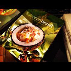 Livro Sabor do Brasil #love #livros #culinaria    Photo by tatianamassoco • Instagram