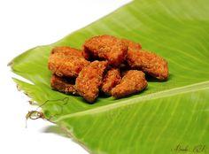 Sharkkara Upperi / Sharkkara varatti ~ Banana Chips coated with Jaggery ! ~