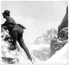 WWI - italian front - Sull'Averau in osservazione del nemico. - foto Alberto Piersanti soldato