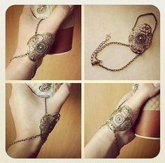 Andromache – Slave Bracelet Ring... interesting name... :/