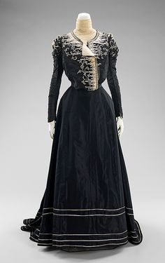Afternoon dress Designer: M. Davey & Company (American) Date: 1898–1900 Culture: American Medium: silk