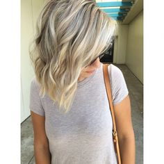 Cool blonde partial highlight - this is what my hair looks like now, only with more honey tones. Partial Balayage, Partial Blonde Highlights, Beige Blond, Cool Blonde Hair, Hair Color And Cut, Balayage Hair, Bayalage, Haircolor, Up Girl