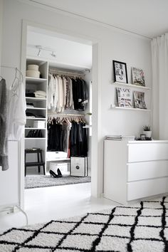 ideas for white closet bedroom open wardrobe Walking Closet, Closet Bedroom, Home Bedroom, Bedrooms, Closet Space, Master Bedroom, Bedroom Decor, White Closet, Room Goals