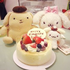 My # birthdaycake last week~ Still celebrating with my #pompompurin lol I am still young XD #sanrio #purin #布丁狗 #布甸狗 #ポムポムプリン #サンリオ #cheesec...