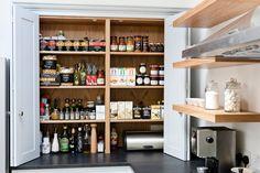 Moderne Küchen von Maple & Gray
