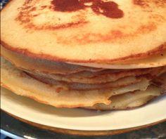Crêpes veganos INGREDIENTES para 14 tortitas: 240 g de leche vegetal (yo he usado de soja) 80 g de agua 60 g de aceite de girasol o margarina no hidrogenada