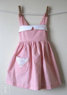robe tablier vintage DIY : une robe tablier vintage pour petite fille [Mondial Tissus mood]  : <3
