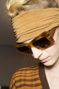 Get an insider look of what went on backstage at the Max Mara Spring 2013 Ready-to-Wear runway show. Jeweled Shoes, Shady Lady, Milan Fashion Weeks, Max Mara, Street Style Women, Sunglasses Women, Sunglasses Outlet, Oakley Sunglasses, Fashion Photo
