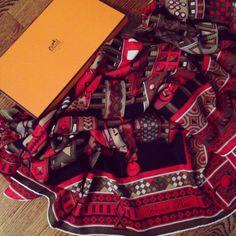 Hermès 'Colliers de Chien' Shawl