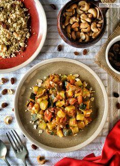 Tajine de verduras al ras el hanout con cuscús. Receta rápida Couscous, Quinoa, Ras El Hanout, Vegetarian Recipes, Healthy Recipes, Kitchen Recipes, Food To Make, Food And Drink, Veggies
