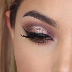 Rose Gold Makeup Looks, Sparkly Eye Makeup, Simple Eye Makeup, Makeup For Brown Eyes, Natural Makeup, Black And Golden Eye Makeup, Romantic Eye Makeup, 1920 Makeup, No Make Up Make Up Look