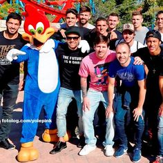 Leo Messi em um parque de diversões em Barcelona : Bom domingo à todos | yolepink