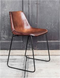 Chair in leather