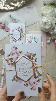 3 ideas for modern wedding invitations 3 ideas for glamour wedding invitaitons with gold lettering and flowers Wedding Invitation Trends, Glitter Wedding Invitations, Creative Wedding Invitations, Classic Wedding Invitations, Modern Wedding Invitations, Wedding Stationery, Wedding Cards, Reception Invitations, Invites