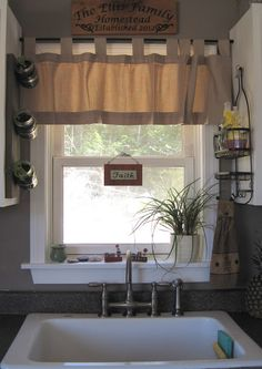 Maine Homemaker: Shower Caddy Turned Kitchen Sink Caddy