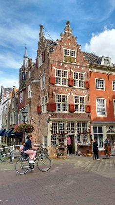 Mooi Historisch pand in Delft op de Markt uit 1598 en heet de Kaerskorf