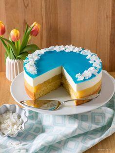 Blue Curacao, Curacao Azul, Blue Hawaii, Hawaii Cake, Pool Cake, Cake Lettering, Coconut Syrup, Blue Food, Cake Ingredients