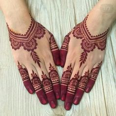 If you are a #bridesmaid and if you are looking for a #hennadesign which is not too over the top, then watch this article. These simple designs are striking and noticeable for the occasion, and also keeps the things subtle and classy at the same time.  #Threads Henna Tattoo Designs Simple, Finger Henna Designs, Basic Mehndi Designs, Beginner Henna Designs, Henna Art Designs, Mehndi Design Photos, Mehndi Simple, Mehndi Designs For Hands, Simple Mehndi Designs Fingers